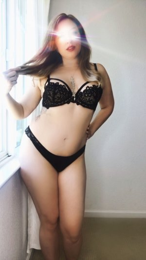 Airelle erotic massage in South El Monte