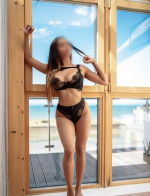 Carmelle nuru massage in Harrison OH